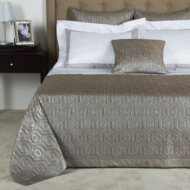 Luxury International Bedspread
