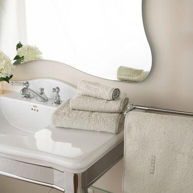 Unito Bath Mat hover image