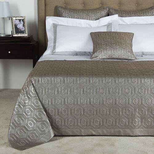 Luxury International Bedspread