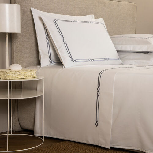 Frame Embroidered Sheet Set