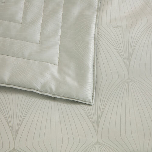 Imperial Light Quilt Pearl Grey