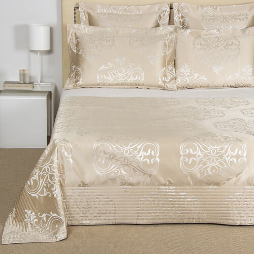 Luxury Ornate Medallion Bedspread