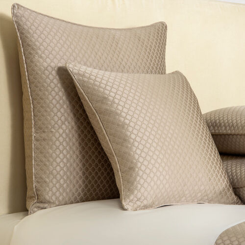 Illusione Decorative Pillow