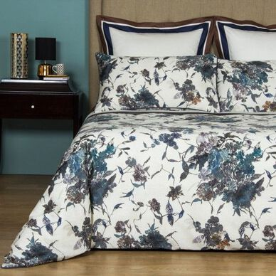 Swallow Duvet Cover